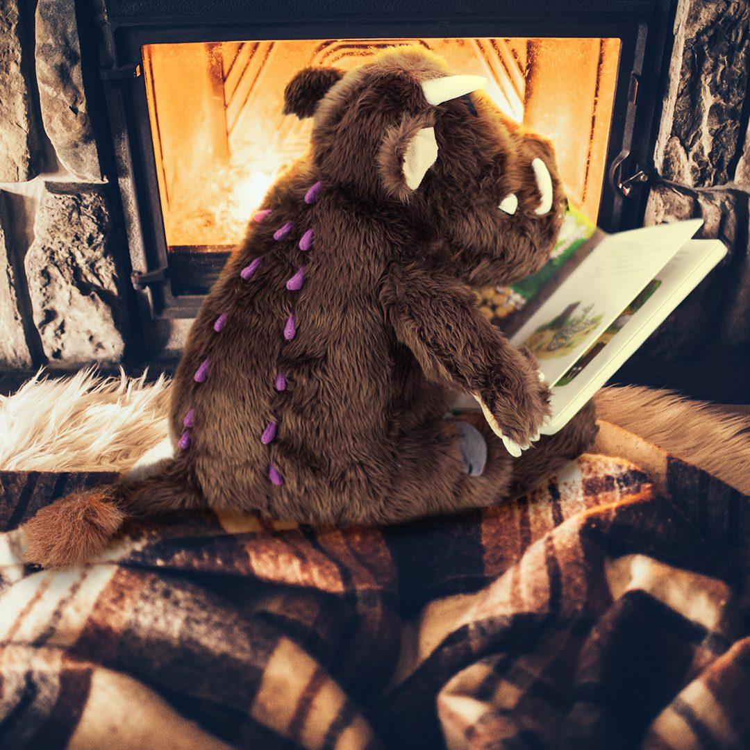 Der Grüffelo liest im Buch